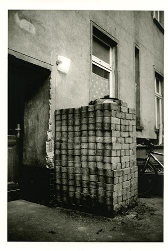 Hinterhof 05:08008